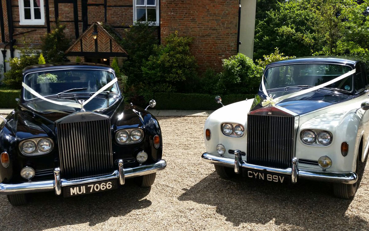Classic wedding car and horse and carriage hire in essex for Car carriage